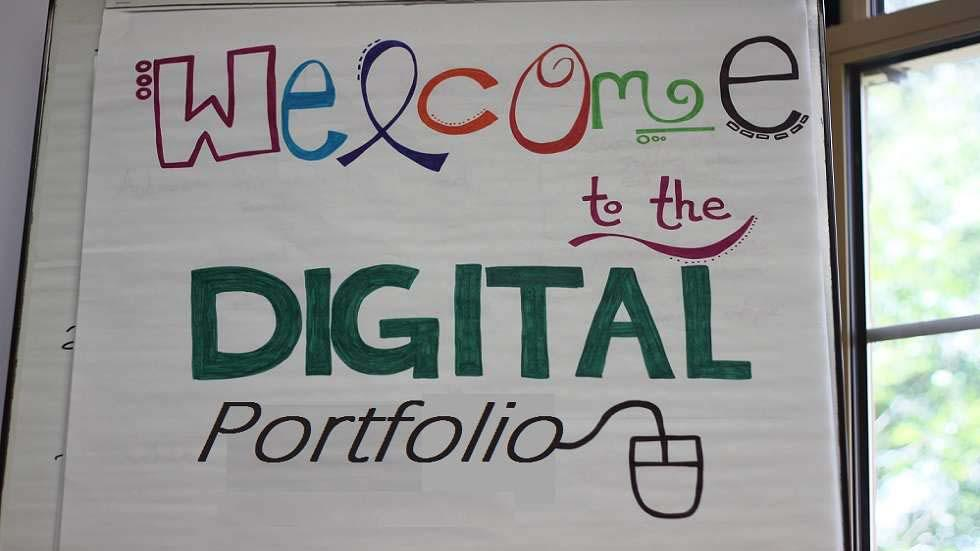 How Do Digital Portfolios Help Students?