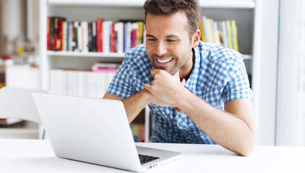 Key Online Course Design Features That Influence Student Performance